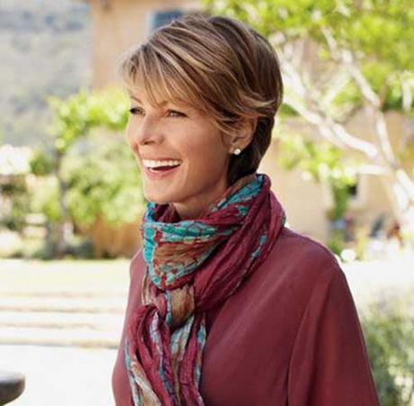 Модные стрижки для женщин за 40 лет