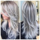 Grijze highlights in blond haar